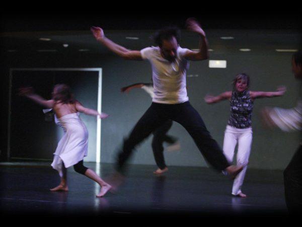 Kon-Mozion, escuela de danza. Con Becky Siegel